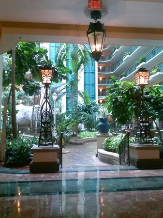 Embassy Suites by Hilton Miami - International Airport: Lobby of Hotel