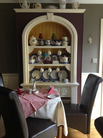 Orchard House: dining area