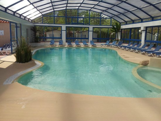 Piscine couverte chauff e picture of camping le for Camping le crotoy piscine couverte
