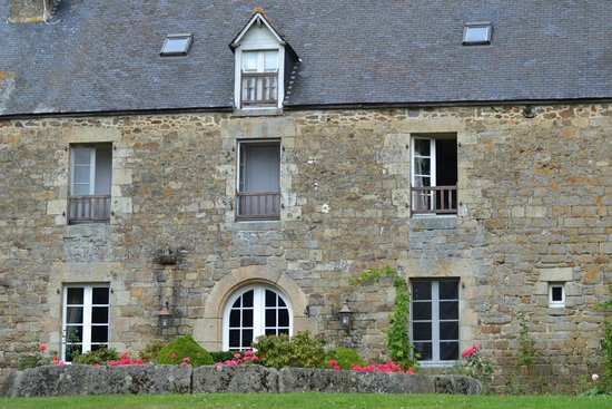 Pluduno, France: One of the houses
