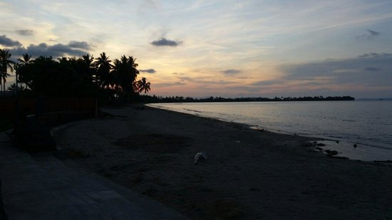 Wewak sunset from Talio lodge.
