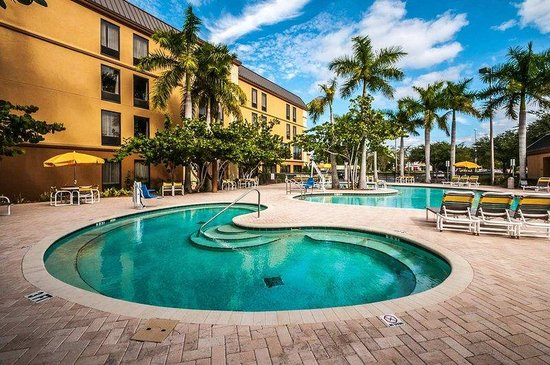 Photo of Hampton Inn St. Petersburg Saint Petersburg