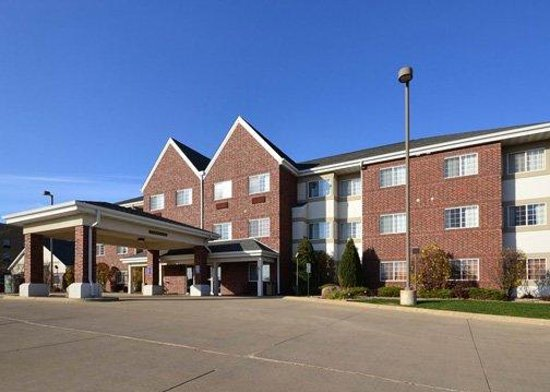 Photo of Mainstay Suites Cedar Rapids