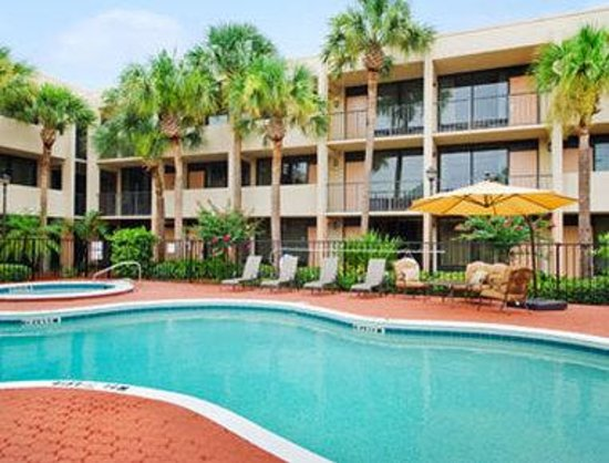 Photo of Travelodge Inn & Suites Orlando Airport