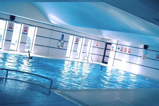 Swimming pool picture of crowne plaza liverpool city centre liverpool tripadvisor for Liverpool hotels with swimming pool