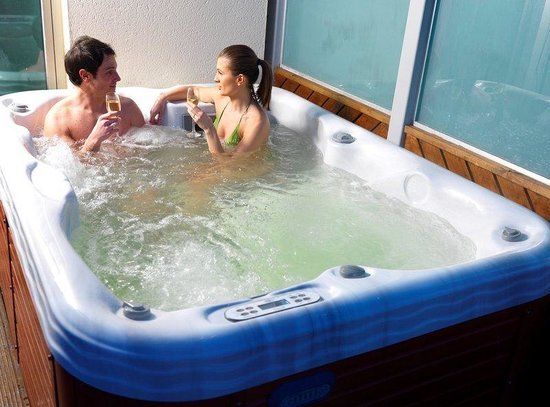 Kings Island Hotels With Jacuzzi