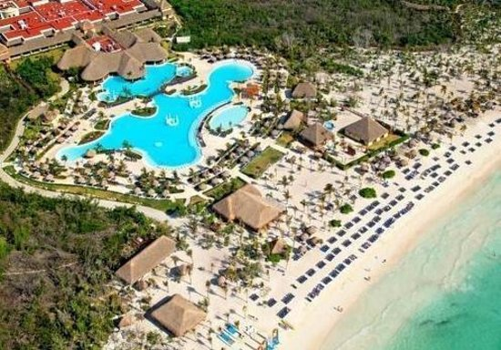 Grand Palladium Kantenah Resort and Spa Photo