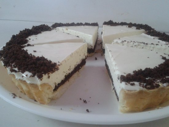 Aizawl, India: brownie mosaic cheesecake