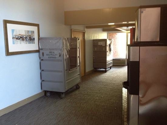 Resort and Conference Center at Hyannis: entrance to side property. filthy carpet. service equipment looks permanent.
