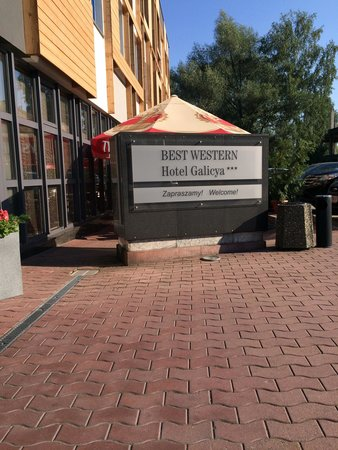 Best Western Hotel Galicya: The entrance with the open dining area