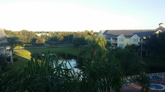 Summer Bay Orlando By Exploria Resorts: View from balcony of pond