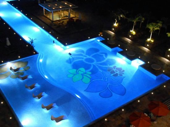Swimming Pool Picture Of Solaire Resort Casino Paranaque Tripadvisor