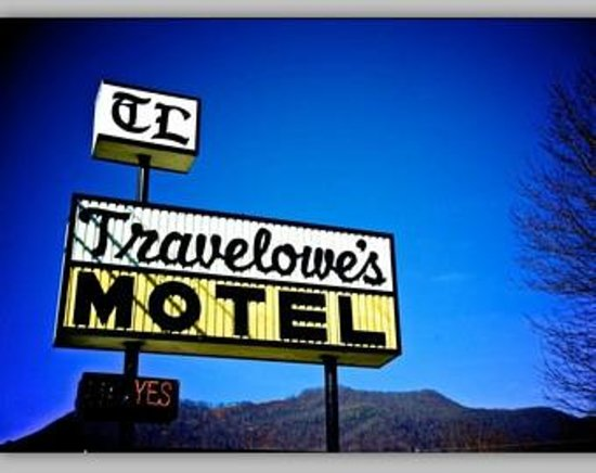 Travelowes Motel