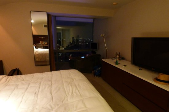 Andaz West Hollywood: Our room at night with our view in the background