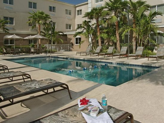 301 moved permanently for Hotels with indoor pools in florida