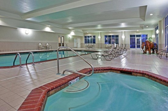 Ballroom picture of holiday inn fort wayne ipfw - Resorts in diveagar with swimming pool ...