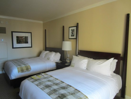 St Julien Hotel and Spa: Rainbow of beige and brown befitting Rocky Mountain location