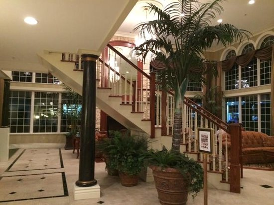 Comfort Inn And Suites - East Greenbush: Pretty Lobby