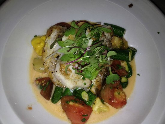 L'Albatros Brasserie + Bar: Grouper cheeks with heirloom tomatoes