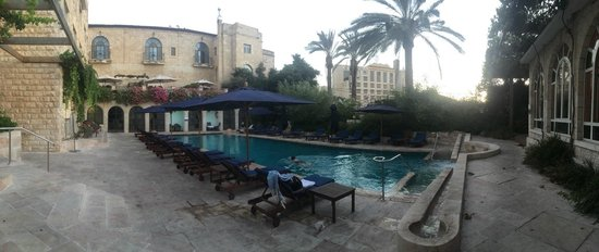 The American Colony Hotel: Pool area