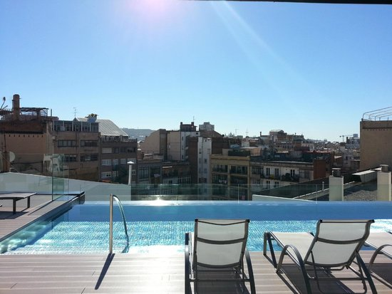 pool auf dem dach picture of olivia balmes hotel barcelona tripadvisor. Black Bedroom Furniture Sets. Home Design Ideas