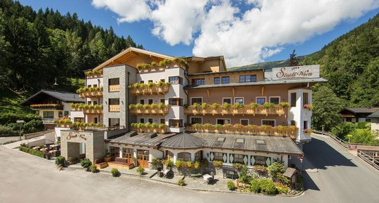 Photo of Hotel Stadt Wien Zell am See