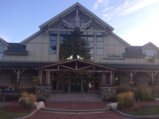 Ll bean flagship store freeport maine picture of l l for Fishing factory outlet