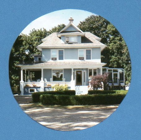 Photo of J. Paules Fenn Inn Fennville
