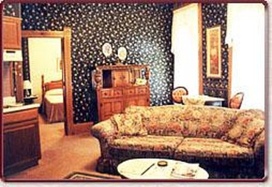 Grand Central Hotel: Separate living rooms in Royal Suites