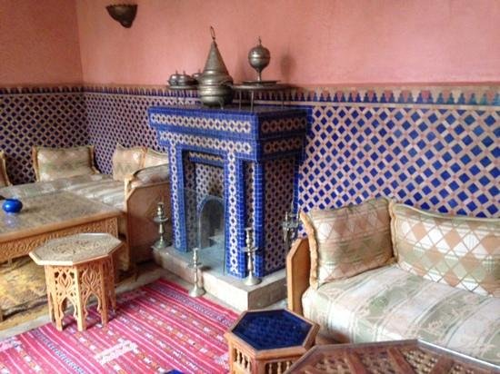 Riad Lakhdar: the sitting area on the first floor