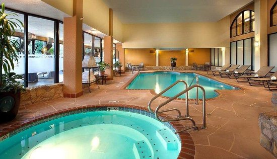 Indoor swimming pool picture of embassy suites by hilton - University of chicago swimming pool ...