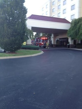 Embassy Suites by Hilton Louisville: Hotel morning excitement