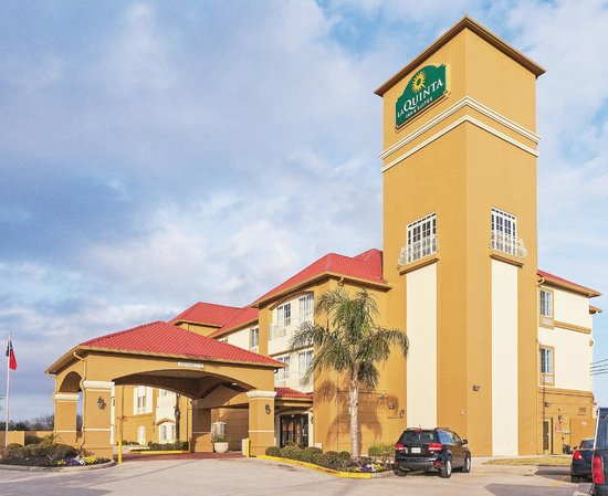Photo of La Quinta Inn & Suites Houston Hobby Airport