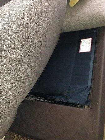 Residence Inn Louisville Downtown: Tiny sofa bed
