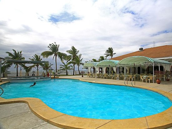 Lago de Oro Beach Club & Restaurant