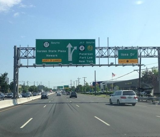 Route 17 Entrance Picture Of Westfield Garden State Plaza Paramus Tripadvisor