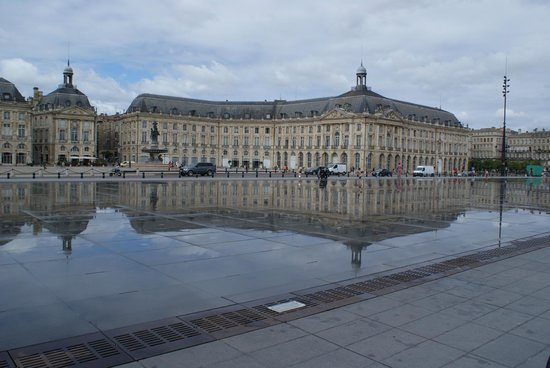 Corny shot picture of miroir d 39 eau de bordeaux for Miroir d eau bordeaux