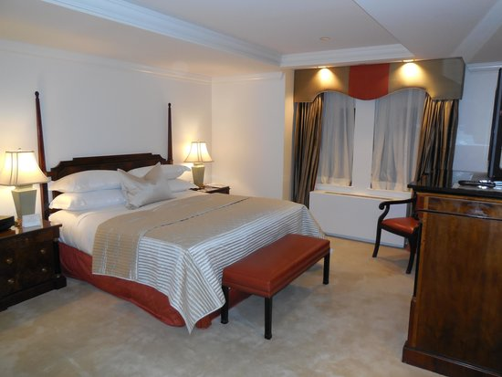 The Michelangelo Hotel: Executive Room