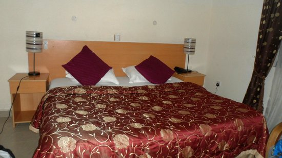Citilodge Hotel Lagos: Our 1st room