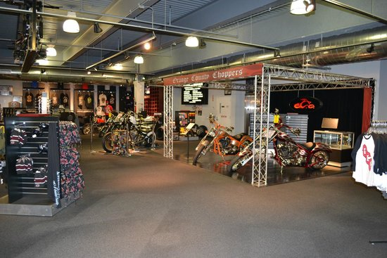Oct 31, · Orange County Choppers (OCC) is a world famous custom and production motorcycle manufacturer based in Newburgh, NY that was founded in by Paul Teutul, Sr. Yes, the showroom gift shop and restaurant are free and display Paul's bikes. When we visited, they were taping for a show and invited us to participate the next day. 4/4().
