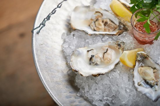 how to serve smoked oysters