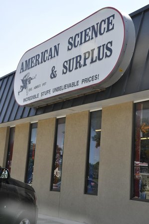 American Science and Surplus, Milwaukee