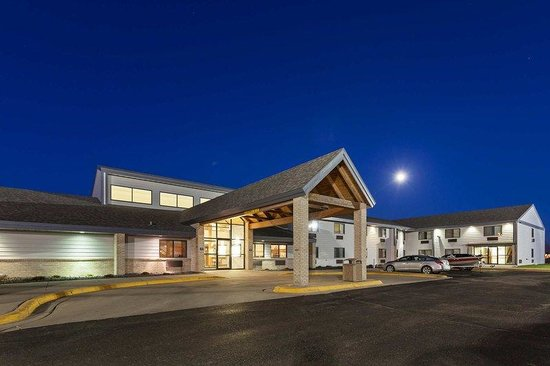 AmericInn Lodge & Suites Wahpeton