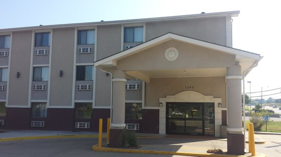 Photo of Quality Inn Topeka
