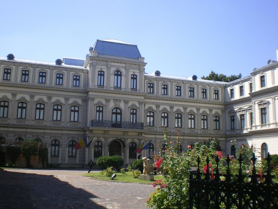 The Art Collections Museum