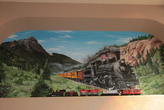 Bloomfield (NM) United States  city photos gallery : BEST WESTERN Territorial Inn & Suites Photo: Model Train making its ...
