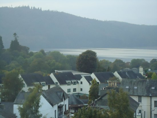 Windermere Hydro Hotel: View over Lake Windermere from 2nd floor bedroom