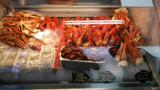 Retail market and lunch hot spot picture of bar harbor for Fresh fish market orlando