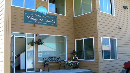 Totem Inn Hotel and Suites