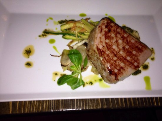 Grilled tuna first rate picture of zinfandel food for Food wine bar zinfandel split